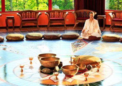 medytacja-w-herbaciarni-yangtorp